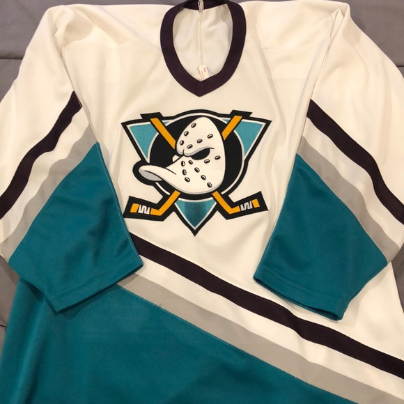 online store ca9b4 8437f Mighty Ducks White Hockey Jersey - Vintage Jersey